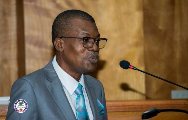 Grève des avocats : « Certains responsables ne font pas leur travail », selon Renan Hédouville