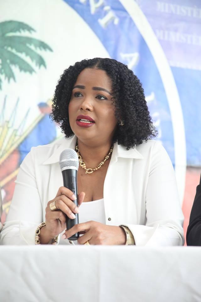 La titulaire du ministère des Haitiens vivant à l'étranger, lors d'une conférence de presse tenue au local du ministère