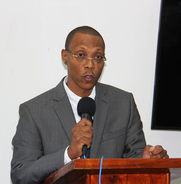 Joseph Frantz Nicolas a été installé comme directeur général du Fonds National pour l'Éducation (FNE).