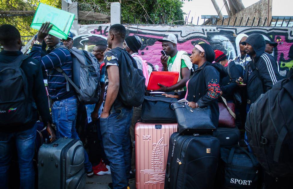 Le premier avion transportant 176 Haïtiens revenant du Chili est prêt à décoller