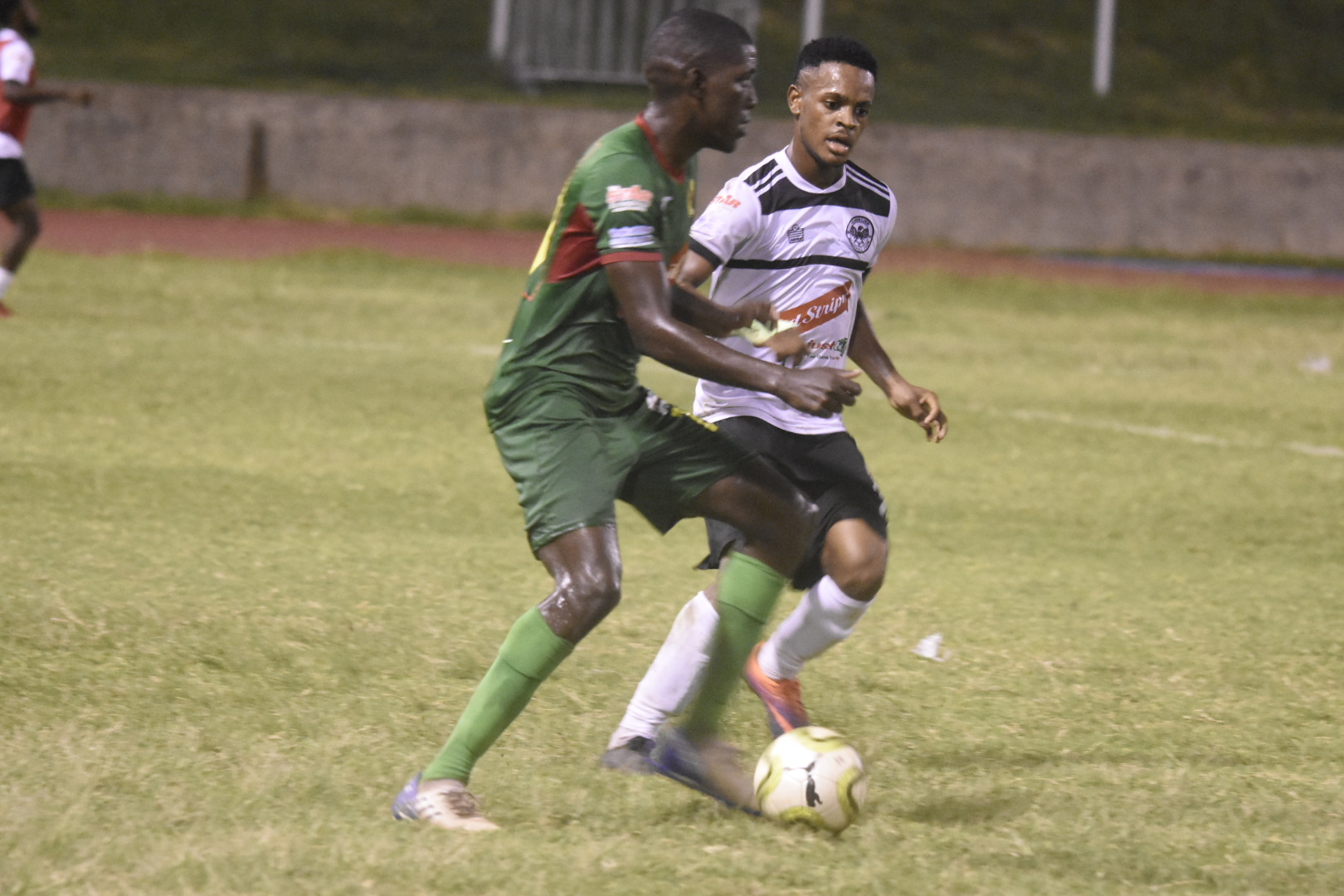 Humble Lion and Cavalier battled to a 0-0 draw on Sunday.(PHOTOS: Marlon Reid)
