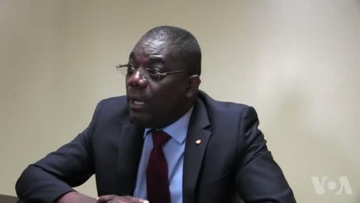 Ronald Larèche blâme Gédéon pour avoir porté l'uniforme de la BLTS. Photo: VOA Kreyòl