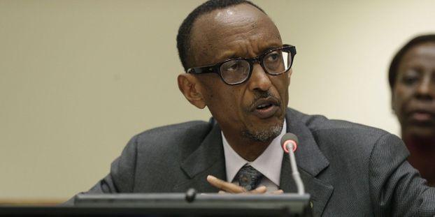 Des proches du président rwandais Paul Kagame (photo) étaient visés par des plaintes pour leur implication dans l'attentat qui a déclenché le génocide de 1994. © ANDREW GOMBERT / POOL / AFP