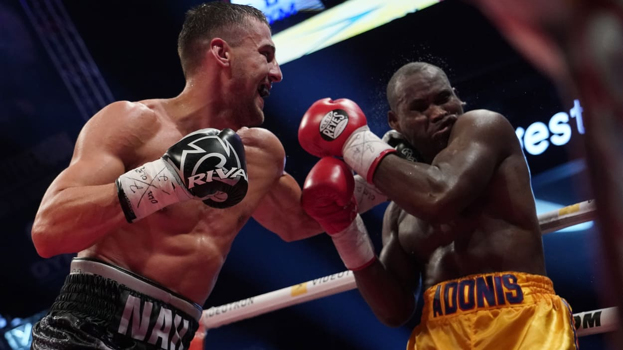 Oleksandr Gvozdyk (left) remained undefeated with this KO. against Adonis Stevenson. Photo: Getty Images / Mathieu Belanger