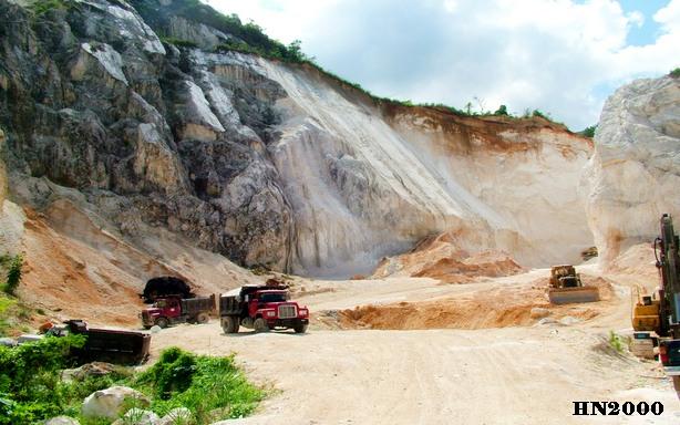 Illustration d'exploitation d'une carrière de sable en Haiti - Crédit Photo Haiti news 2000