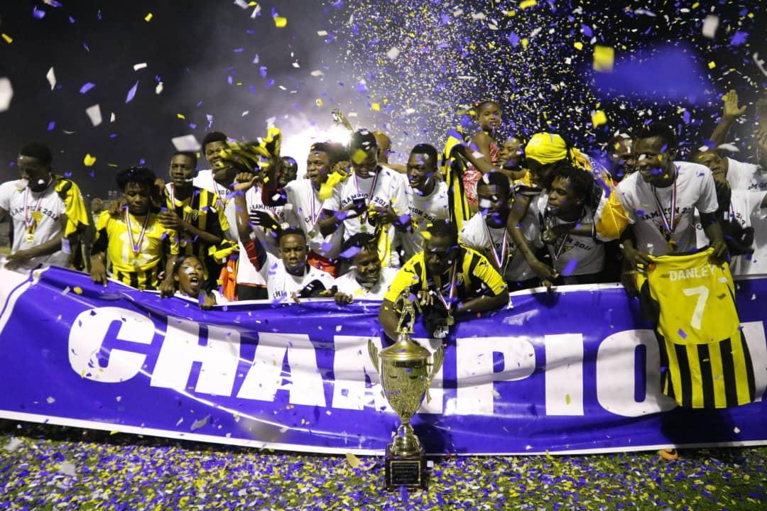 Les joueurs de Don Bosco célébrant leur titre de champion. Photo: Don Bosco de Petion Ville