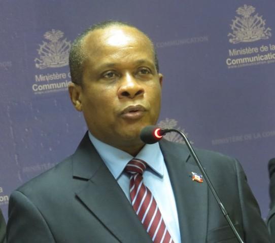 Ronald Décembre, ministre de l'Economie et des Finances