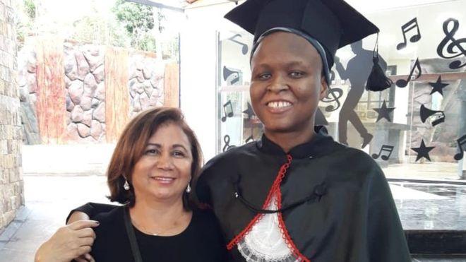 Brésil: Cette haïtienne aveugle vient de réussir ses examens de Droit. Photo: BBC NEWS Brasil