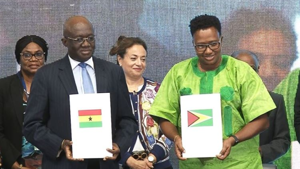 (L-R): Minister of Aviation of Ghana, Joseph Kofi Adda and Minister within the Ministry of Public Infrastructure with responsibility for aviation, Annette Ferguson.