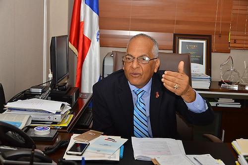 Ce politicien dominicain est contre l'idée d'un mur à la frontière. Photo: Acento.com