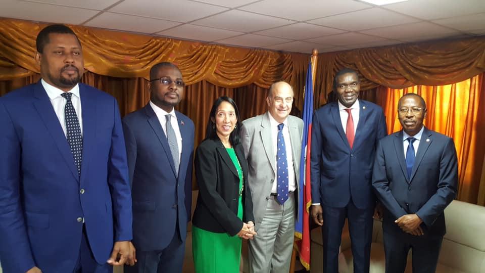 Haïti : Kenneth Merten et l'ambassadeur Sison au Parlement pour discuter de la crise