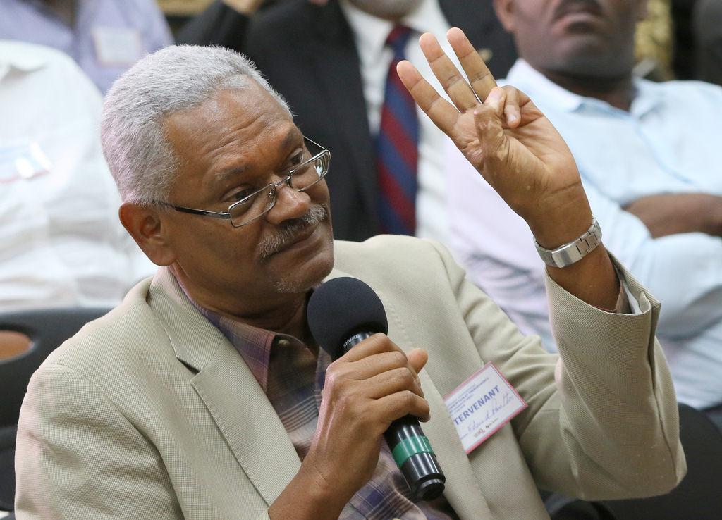 """Ocname C. Daméus s'est laissé voir comme un """"agent du gouvernement"""". Photo: Picssr"""