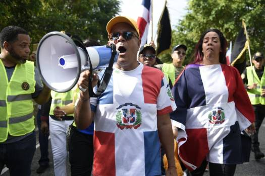 Des Dominicains organisent une marche contre la présence des Haïtiens. Photo: Diario Libre