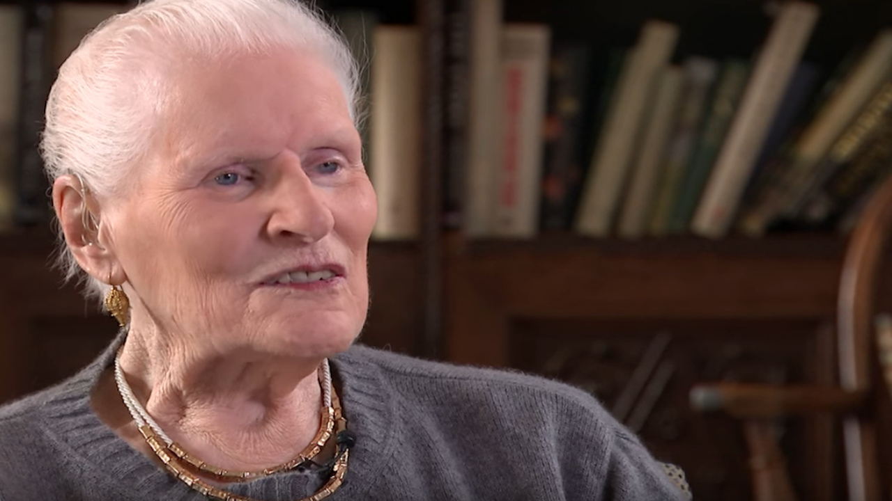 Screen grab of Diana Athill conducting a television interview.