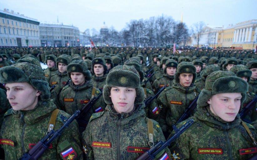 Défilé militaire à Saint-Pétersbourg pour le 75e anniversaire de la fin du siège de Léningrad, le 27 janvier 2019 1/4 © AFP, OLGA MALTSEVA