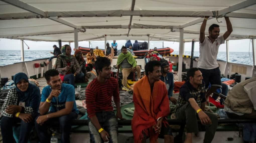 Des migrants secourus par l'ONG Proactiva Open Arms, en Méditerranée le 2 juillet 2018