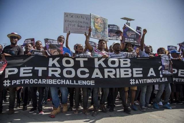 Des manifestants exigeant que lumière soit faite sur la gestion des fonds Petrocaribe