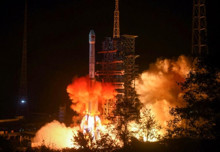 La Chine, premier pays à poser un engin sur la face cachée de la Lune
