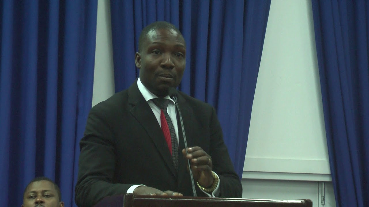 Photo : Deus Deronneth, député de la circonscription Marigot