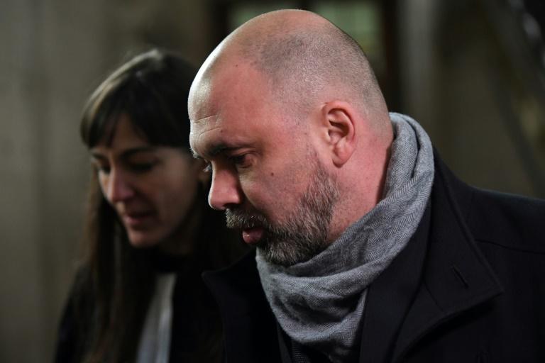Une peine de sept ans d'emprisonnement a été requise mercredi contre les deux policiers jugés aux assises à Paris pour le viol d'une touriste canadienne en avril 2014 au 36 Quai des orfèvres.