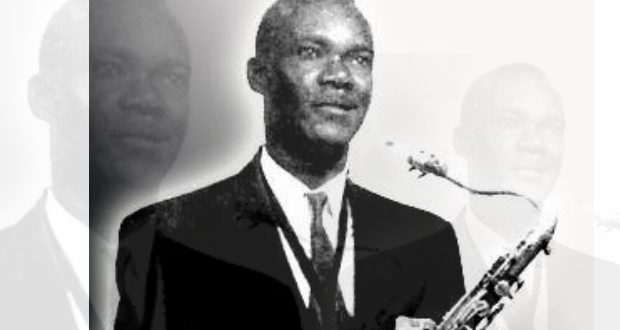 Nemours Jean-Baptiste, saxophoniste en main