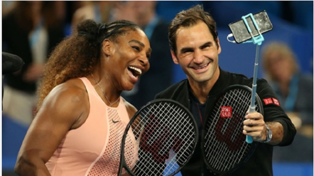 Serena Williams and Roger Federer pose for a selfie after their Hopman Cup meeting.