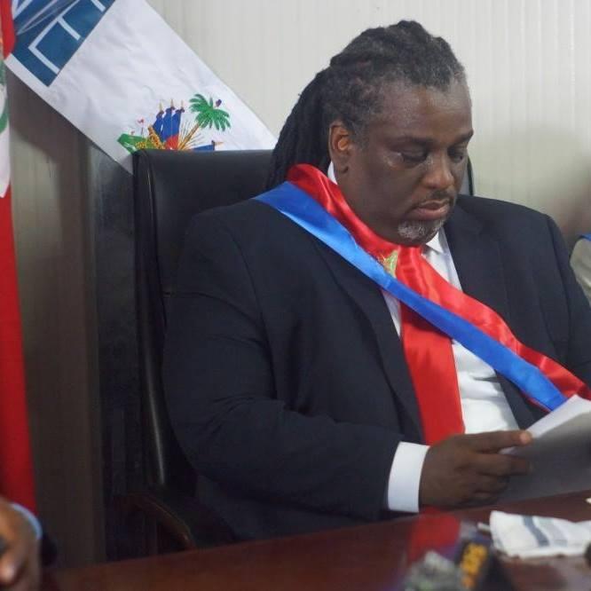 Ralph Youri Chevry, le maire principal de Port-au-Prince a perdu son père.