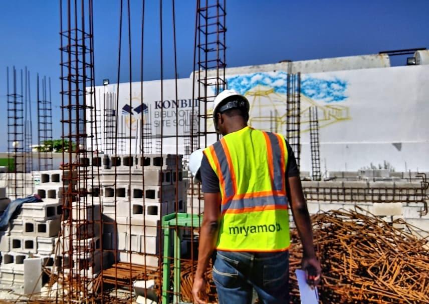 Un premier montant de 780, 000 gourdes (soit 10 mille $US) a déjà été versé pour la construction de la bibliothèque.