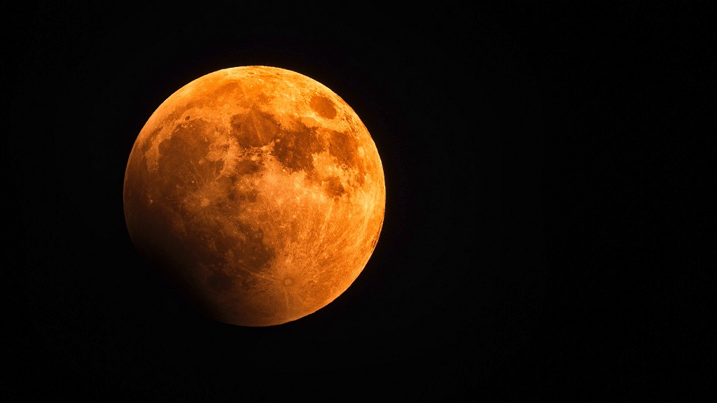 Once in a blue moon we have a Super Wolf Blood moon