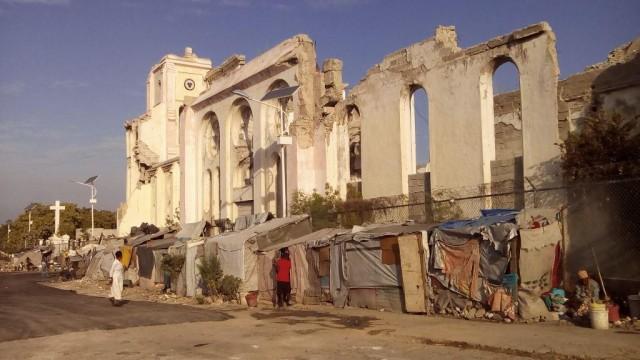 Illustrations des Ruines-de-la-Cathédrale de Port-au-Prince