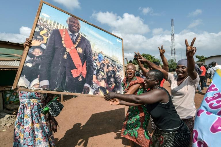 Les Ivoiriens se réjouissent de l'acquittement par la CPI de l'ancien président Laurent Gbagbo le 15 janvier 2019 dans sa ville natale de Gagnoa