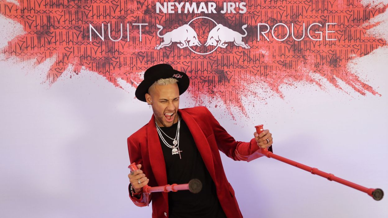 Neymar fête son anniversaire en béquilles et en grande pompe - © THOMAS SAMSON - AFP