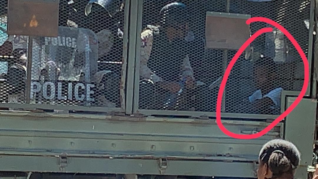 Arrestation d'un élève du lycée Pinchinat dans le cadre de la manifestation du lundi 4 février, selon ce qu'a rapporté notre source.