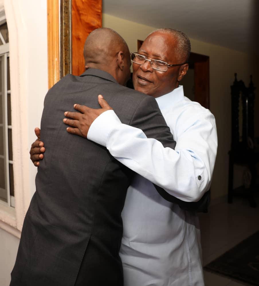 Le président Jovenel Moïse et son prédécesseur Jocelerme Privert
