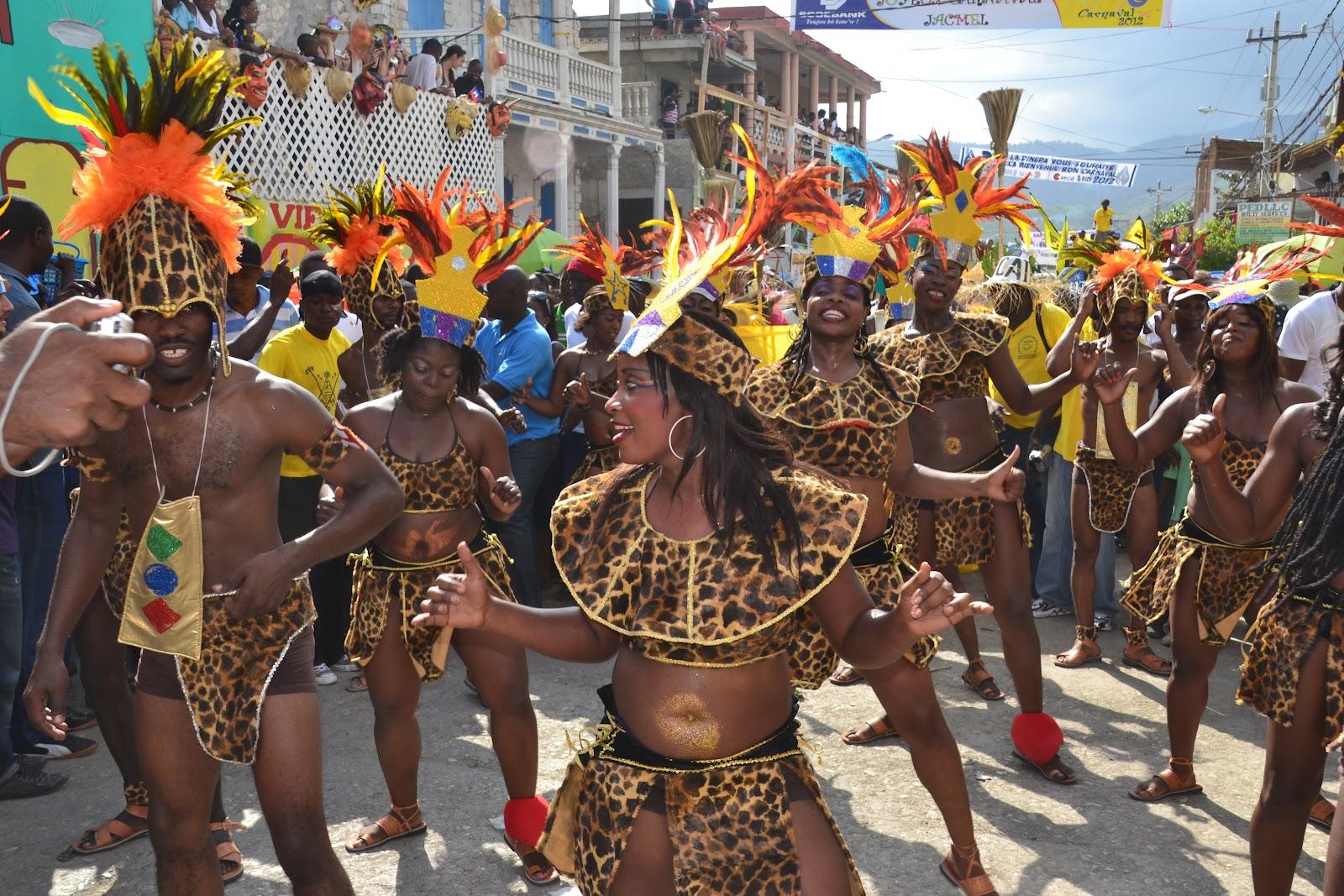Cette photo du  Carnaval de Jacmel est prise en 2012 et sert uniquement d'illustration à l'article- Crédit Photo :[ Carlo Junior]