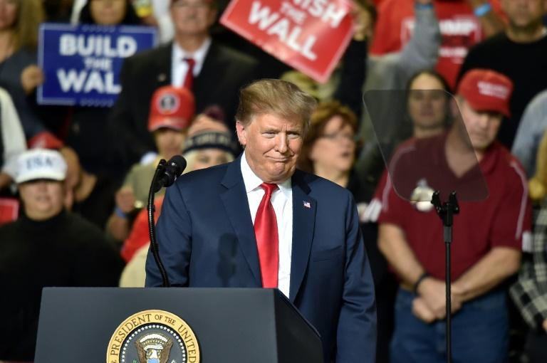 Donald Trump parle aux journalistes à la Maison Blanche le 12 février 2019
