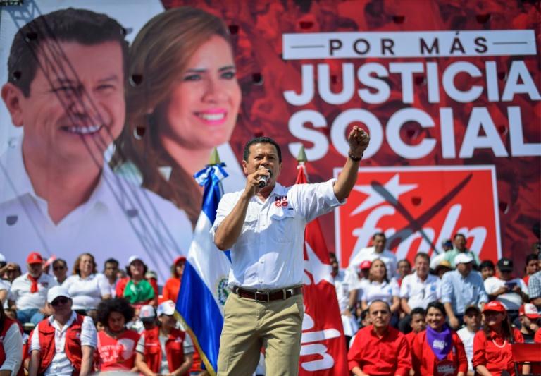 Les deux favoris du scrutin présidentiel au Salvador: Carlos Calleja (à gauche), du parti de droite Alliance républicaine nationaliste, et Nayib Bukele, du parti conservateur Grande alliance pour l'unité