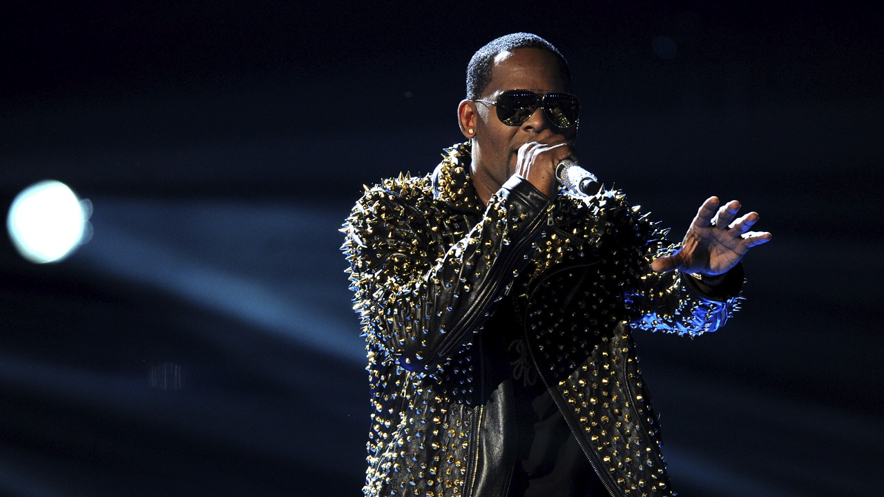 (Image: AP: R Kelly performs onstage in Los Angeles on 30 April 2013)