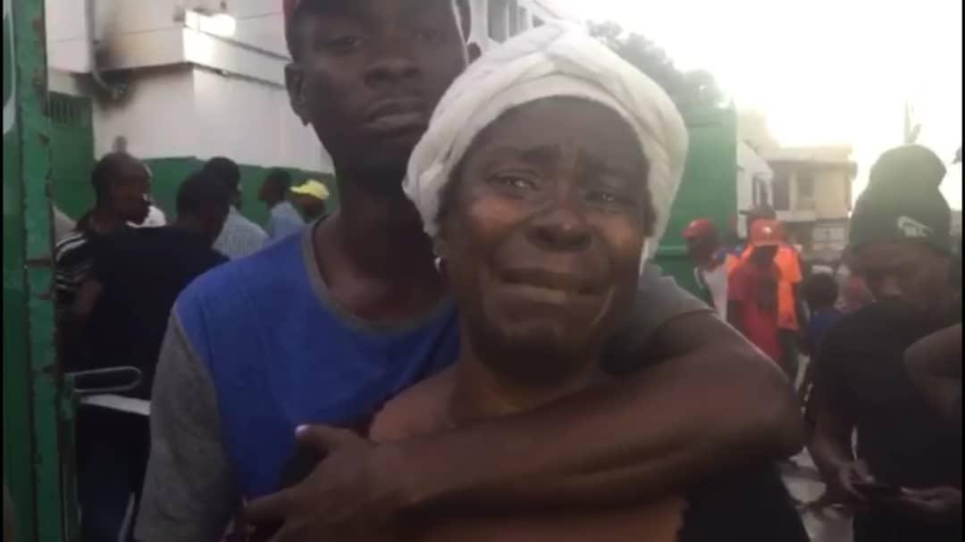 La mère de Roberto Badio Thélusma inconsolable après la mort de son fils