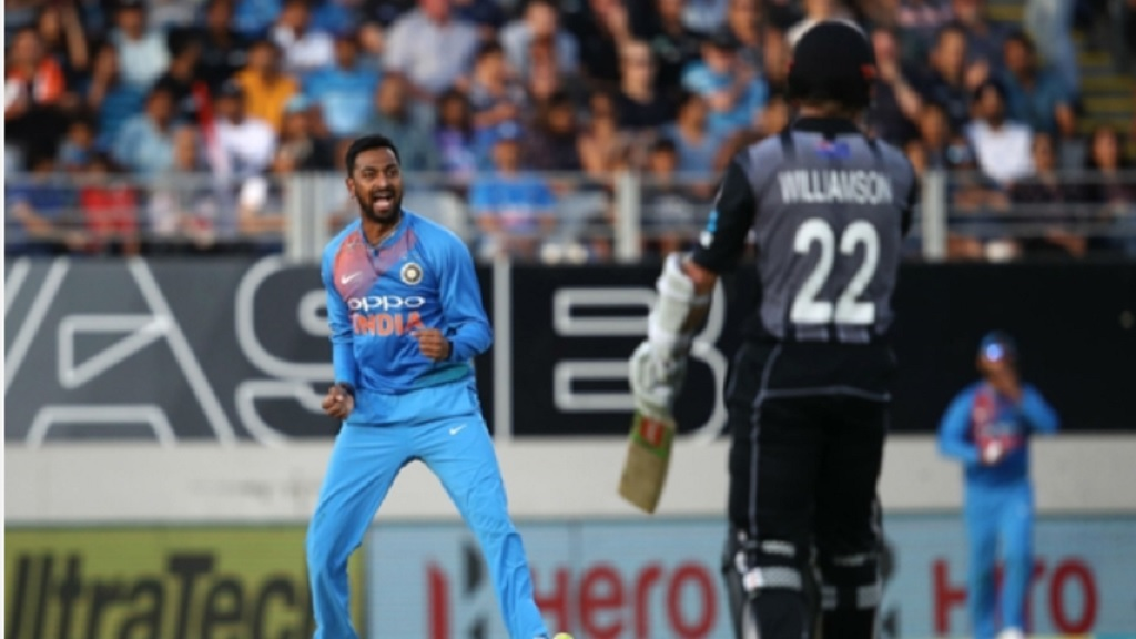 Krunal Pandya celebrates dismissing Kane Williamson.