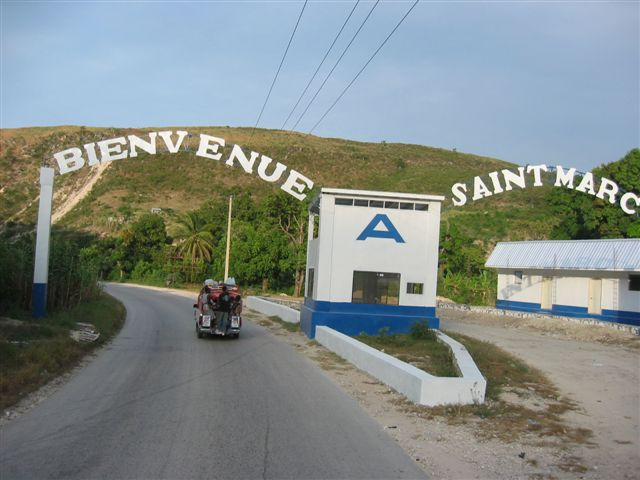 Photo de l'entrée de la ville de Saint-Marc