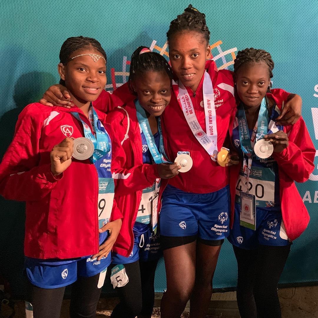 Quatre athlètes haïtiens médaillés. Photo: Haiti Tempo
