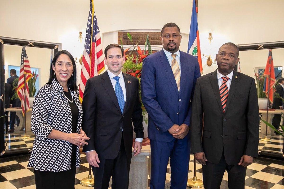 Cantave, Bodeau, Rubio et Sison discutent sur un nouveau gouvernement