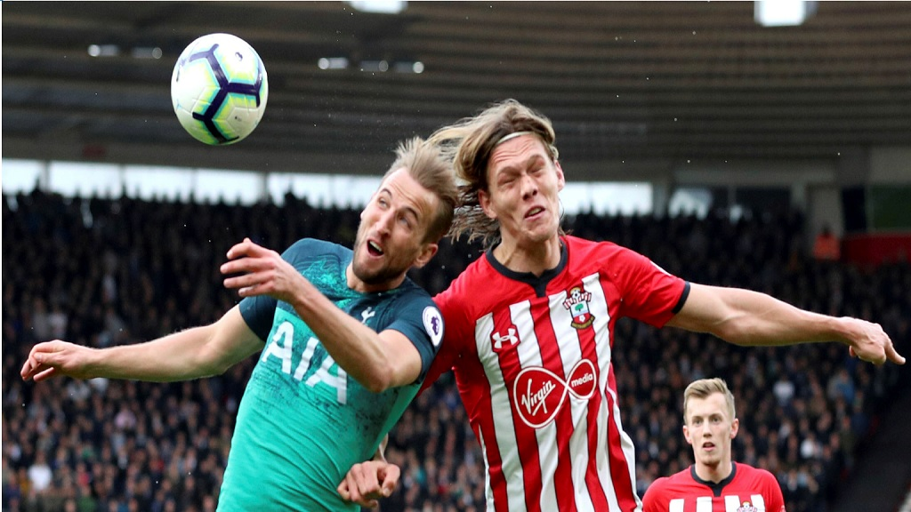 Tottenham Hotspur's Harry Kane, left, and Southampton's Jannik Vestergaard battle for the ball during the English Premier League football match at St Mary's Stadium, Southampton, England, Saturday March 9, 2019.