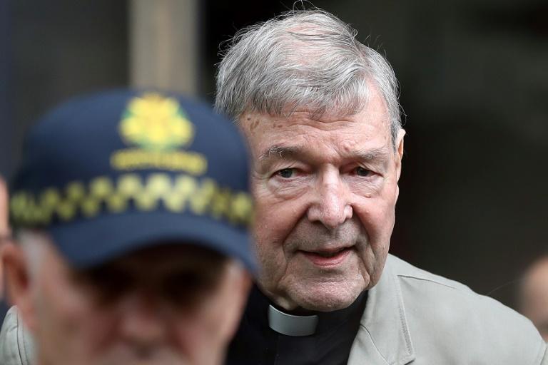 Le cardinal australien George Pell à la sortie du tribunal de Melbourne le 26 février 2019