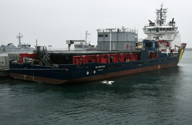 Le VN Partisan, navire destiné à lutter contre la possible pollution liée au naufrage du Grande America, le 14 mars 2019 à Brest