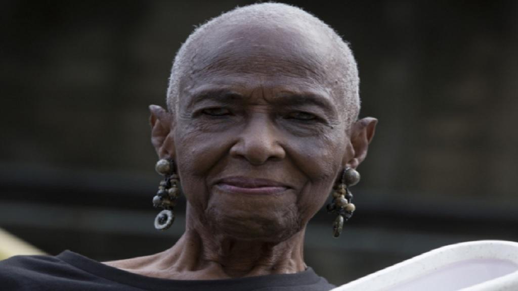 Dr Cynthia Thompson.