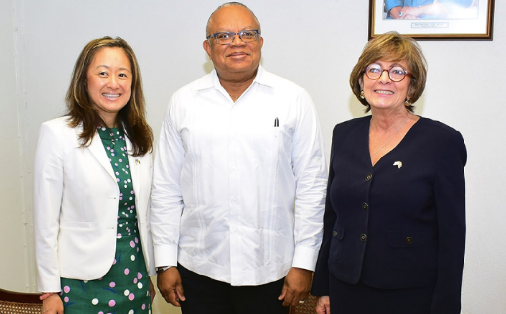 Minister of Foreign Affairs and Foreign Trade, Senator Dr. Jerome Walcott poses with US Department of State's Principal Deputy Assistant Secretary for the Western Hemisphere Affairs, Julia Chung (left) and US Ambassador to Barbados, Linda Taglialatela at a recent courtesy call at the Ministry of Foreign Affairs and Foreign Trade. (C.Pitt/BGIS)