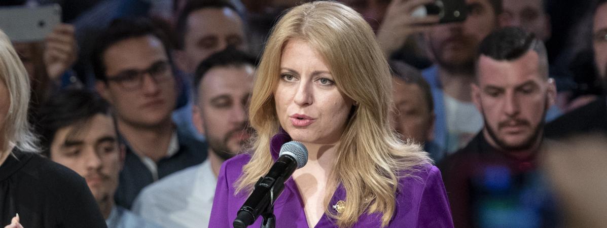 L'avocate Zuzana Caputova reçoit les félicitations de ses partisans après l'annonce de sa victoire à l'élection présidentielle, le 30 mars 2019 à Bratislava, en Slovaquie