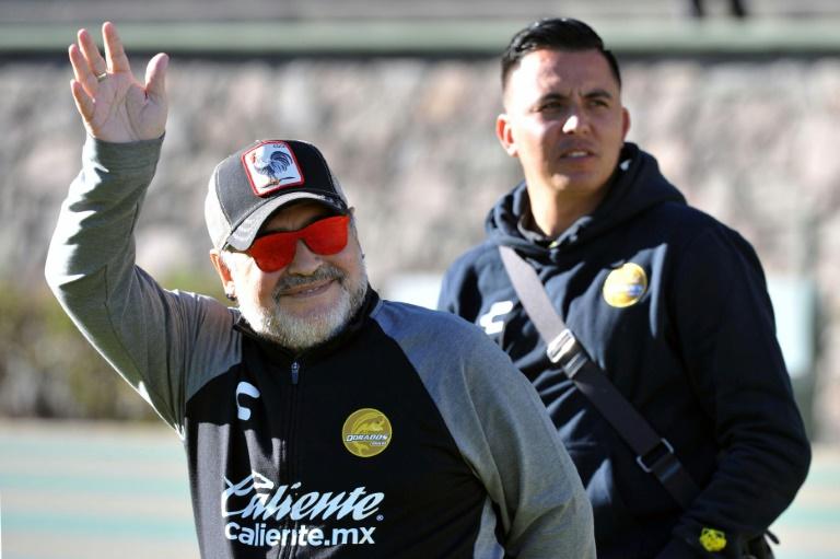 """L'entraîneur argentin de l'équipe mexicaine de 2e division Dorados de Sinaloa, Diego Armando Maradona, au stade Universitario Alberto """"Chivo"""" Cordova, à Toluca, au Mexique, le 26 janvier 2019"""